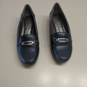 Life Stride soft system shoes. Size 7.5M